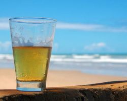Summer is almost here, now how do you keep those drinks icy cold on the beach?